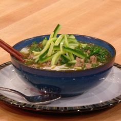 Tingly Chicken and Greens Noodle Bowls | Rachael Ray Show