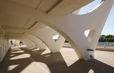 centre nautique Tony Bertrand à Lyon présenté dans l'exposition Archi20-21 au CAUE. Photo de Romain Blanchi