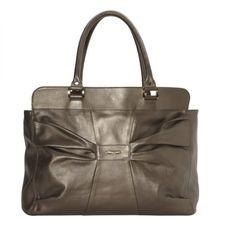 Tassenmuseum Hendrikje toont tassen van Muldooneys of London. Coco Chanel  ... fe65f43ca9