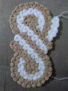 This Pin was discovered by Ayf Love Crochet, Crochet Motif, Crochet Designs, Crochet Flowers, Puff Stitch Crochet, Crochet Stitches, Youtube Crochet, Art Diy, Crochet Skirts