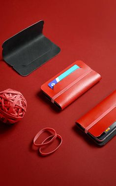 Nothing Fancy: Minimalist Wallet by Chieh Ting Huang - Design Milk Iphone Holder, Iphone Cases, Iphone Wallet, Minimal Wallet, Fancy, Purse Organization, Slim Wallet, Small Leather Goods, Stitching Leather