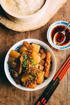 Woks of Life! Dim sum tripe stew, or niu za (牛雜), is a weekend dim sum classic. If you grew up this and want to learn to make it at home, give this dim sum recipe a try! Tripe Recipes, Asian Recipes, Beef Recipes, Cooking Recipes, Ethnic Recipes, Asian Foods, Chinese Recipes, Recipies, Beef Tripe