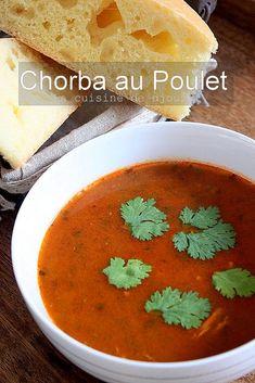 Chorba facile au poulet | Cuisinez avec Djouza Plats Ramadan, Turkish Recipes, Ethnic Recipes, Algerian Recipes, Algerian Food, Ramadan Recipes, Cooking Recipes, Healthy Recipes, Couscous