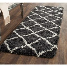 Belize Shag Charcoal/Ivory (Grey/Ivory) 2 ft. 3 in. x 9 ft. Runner
