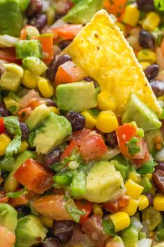 cowboy caviar This Cowboy Caviar salsa is fresh, healthy, simple and loaded! We make this salsa all summer long. Makes a big batch so it's an ideal summer party dip. This cowboy caviar (. Texas Caviar) always disappears fast! Texas Caviar Recipe, Caviar Recipes, Kitchen Recipes, Cooking Recipes, Healthy Recipes, Ensalada Cowboy, Healthy Appetizers, Appetizer Recipes, Salsa Verde