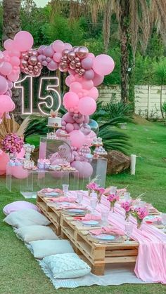 15th Birthday Party Ideas, Birthday Balloon Decorations, Birthday Party Decorations, Birthday Parties, Girls 13th Birthday Ideas, Party Decoration Ideas, 13th Birthday Party Ideas For Girls, Pink Parties, Themed Parties