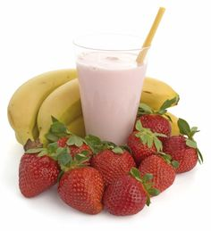 Whey Protein: Shakes for Weight Loss | Women's Health Magazine    1 scoop vanilla whey-protein powder  6 medium strawberries, hulled  1 medium banana  Water   Ice     Put all ingredients in a blender and process until smooth.     230 calories; 23 g protein; 35 g carbs; 5 g fiber; 0 g fat