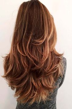 You will absolutely adore these long layered haircuts, if you love long hair! Layered haircuts add volume and movement to any hair type. That's why these haircuts are a perfect option for those who have longer hair and wish to maintain the length.