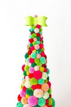 DIY Pom Pom Christmas Tree for your Festive Christmas Party! DIY Pom Pom Christmas tree for your fes Christmas Tree Decorations For Kids, Cone Christmas Trees, Christmas Tree Crafts, Noel Christmas, Holiday Crafts, Christmas Ornaments, Diy Y Manualidades, Navidad Diy, Pom Pom Crafts