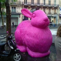 Weird public art in Paris