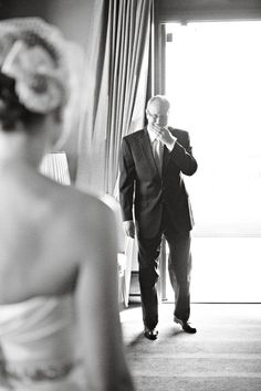 Dad's first look ... Always the sweetest of images captured. I absolutely need this. Please don't let me forget to do this.