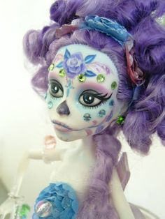 "I love the wee crystals on her face monster high ooak-""CALAVERA SPECTRA""custom& repaint by ""ooaKBcreations"". via Etsy. Custom Monster High Dolls, Monster Dolls, Monster High Repaint, Custom Dolls, Monster High Beds, Ooak Dolls, Blythe Dolls, Art Dolls, Gothic Dolls"