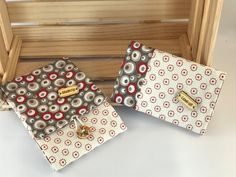 Voici ce que je viens d'ajouter dans ma boutique #etsy: porte chequier latéral pour chéquier à talon gauche , cadeaux homme ou femme, porte chéquier en longueur. http://etsy.me/2CpMod5 #accessoires #portefeuille #rouge #enterrementdeviedejeunefille #fetedesmeres #beig