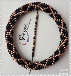 Crochet Bracelet Pattern, Crochet Beaded Bracelets, Bead Crochet Patterns, Bead Crochet Rope, Seed Bead Patterns, Beaded Jewelry Patterns, Bracelet Patterns, Beading Patterns, Beaded Necklace