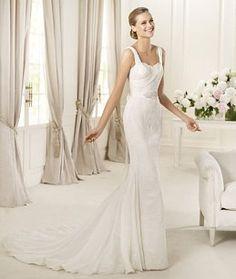 Pronovias Dia Wedding Dress