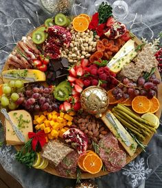 How to arranging the perfect cheese board—it is more simple than you might think. For a stunning charcuterie, fruit, and cheese plate, you just need a few staples. Charcuterie Platter, Charcuterie And Cheese Board, Antipasto Platter, Cheese Boards, Snack Platter, Platter Board, Tapas Platter, Dessert Platter, Meat And Cheese