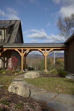 Love the covered walkway, or breezeway from the detached garage. Carport Garage, Garage Plans, Detached Garage, Garage Ideas, Garage Extension, Porches, Stowe Vermont, Covered Walkway, Garage Addition