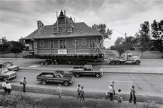 June 25, 1986The old Endion Depot slowly moves west down London Road on June 25, 1986, en route from its original site at the foot of 15th Avenue East to Canal Park. (John Rott / News-Tribune)Endio…