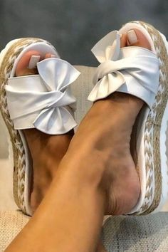 Affordable Designer Jewelry and Fashion from Paris. Check our handbags, sunglasses, watches, necklaces and bracelets. Parisian mode and style of Slip On Espadrilles, Espadrille Sandals, Professional Shoes, Slipper Sandals, Open Toe Shoes, Beach Shoes, Womens Slippers, Hippie Style, Leather Sandals