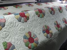Dresden Plate | pieced by Teresa Norland Quilted by Jessica… | Flickr - Photo Sharing!