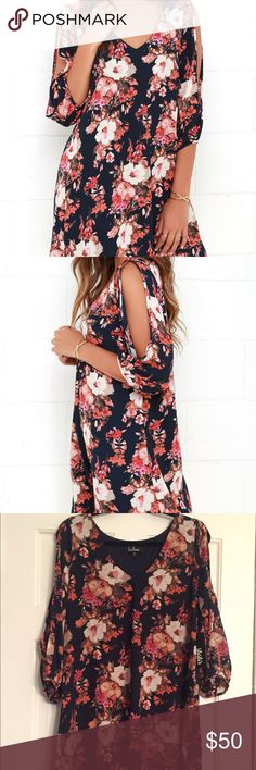 Brand new lulu floral dress Brand new just ordered off the lulu site, NWT floral dress with open sleeves ! don't want to pay the shipping back fee if I don't have too! Lulu Dresses Midi