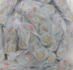 Chinelos Casamento Personalizados Saquinhos de Organza  *Consulte o preço dos saquinhos pelo email santalembrancinha1@gmail.com