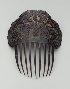 Rather narrow comb of dark tortoise shell with carved top, background of top light with many small pierced stars, design of grape vines in dark relief. Vintage Hair Combs, Vintage Hair Accessories, Vintage Jewelry, Fashion Accessories, Pet Accessories, Victorian Hairstyles, Barrettes, Hair Decorations, Hair Sticks