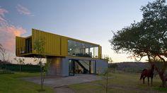 Casa Huiini / S+ diseño  http://www.plataformaarquitectura.cl/cl/776324/casa-huiini-s-plus-diseno