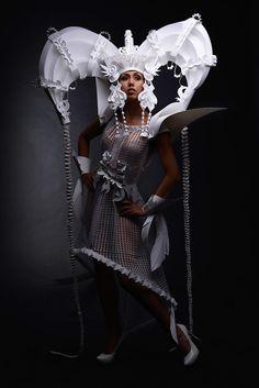 Les incroyables robes de mariage en papier de l'artiste Ukrainienne Asya Kozina.