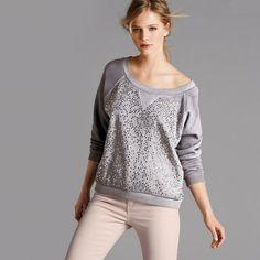 Jewelled Sweatshirt    http://www.laredoute.gr/SOFT-GREY-Fouter-me-trouk-kai-stras_p-264335.aspx?prId=324441075