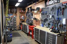 Who has a clean and neat shop like this that does any work at all? - NOT ME - bike shop mechanic - Pesquisa Google