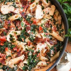 Bacon Spinach Chicken Pasta {in a creamy garlic sauce}