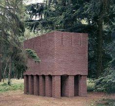 Brick sculpture, Per Kirkeby (1938)