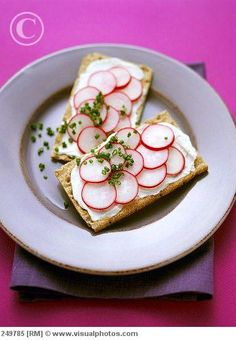 Whole Grain Wasa Crackers With Cream Cheese & Sliced Radishes