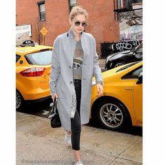 Celebrity Style | 海外セレブ最新ファッション情報 : 【ジジ・ハディッド】ドクロマークをアクセントに!グレーでまとめたカジュアルスタイルでお出かけ!