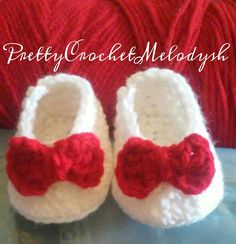 Baby shoes crochet with red bow