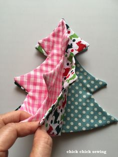 chick chick sewing: Fabric Stuffed Christmas Tree Tutorial ☆彡布のミニクリスマスツリー作り方