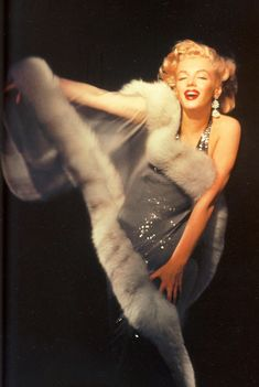 Marilyn Monroe by Richard Avedon Marilyn Monroe, Richard Avedon, fur, long gown