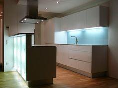 Moderní a prostorná kuchyň v paneláku   Bydlení IQ