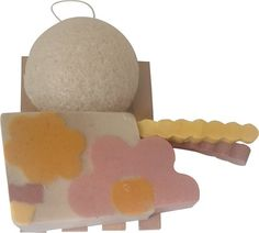 Soothing Clay Facial Soap with Calamine Rosettes, Konjac Sponge, and Soap Dish Gift Box Set