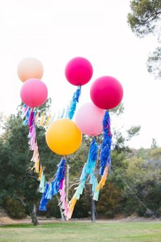 These balloons would be so cute flowing with the wind. Geronimo Balloons!