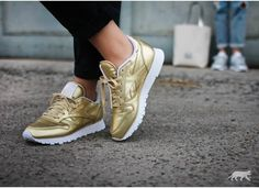 d95321d1bb03c Reebok x Face Stockholm Classic Leather Spirit (Sensation Gold   White)