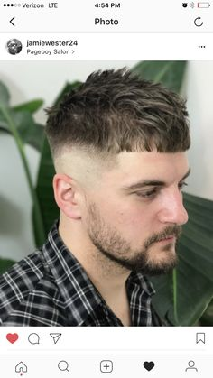 Men's crop fade Page Boy, Salons, Athens, Lounges