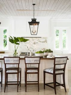 Kitchen Plank Wood Ceiling. Kitchen whitewash plank ceiling. Kitchen whitewash plank ceiling ideas. #Kitchenwhitewashplankceiling #Kitchenplankceiling J.K. Kling Associates Interior Design.