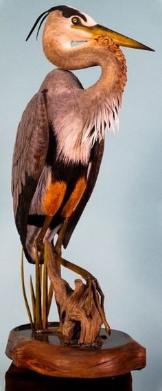 By Carey Gray Tree Carving, Wood Carving Art, Wood Carvings, Carved Wooden Birds, Wooden Art, Small Sculptures, Animal Sculptures, Wood Carving Patterns, Wood Creations