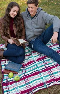 Plaid Picnic Throw Free Crochet Pattern from Red Heart Yarns