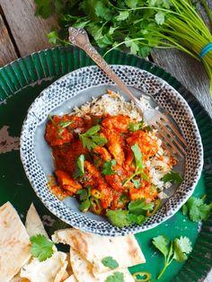 Fenomenal god kylling curry - Mat På Bordet Tandoori Chicken, Nom Nom, Turkey, Ethnic Recipes, Chicken Curry, Turkey Country