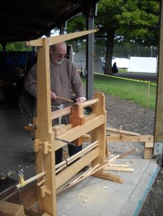 Viking craftsman, The Grand Thing 2013 Lathe Tools, Metal Tools, Old Tools, Wood Lathe, Woodworking Machinery, Woodworking Projects, Atelier Creation, Garage Tools, Homemade Tools