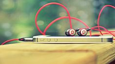 Surely familiar with this mobile accesoris? Yep earphones, On this occasion I will share tips on selecting a good earphones. Earphones became one of complementary devices smartphone required/must to be taken especially for you...