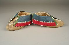 Date:1810–15  Geography:United States or Canada, Ohio or Ontario  Culture:Wyandot or Shawnee  Medium:Native-tanned skin, sinew, thread, silk, glass